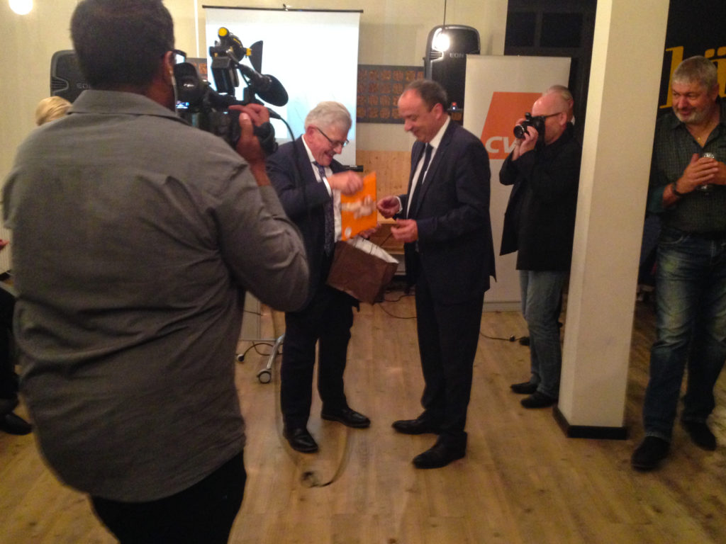 Antrittsgeschenk von noch-Regierungsrat Roland Brogli.