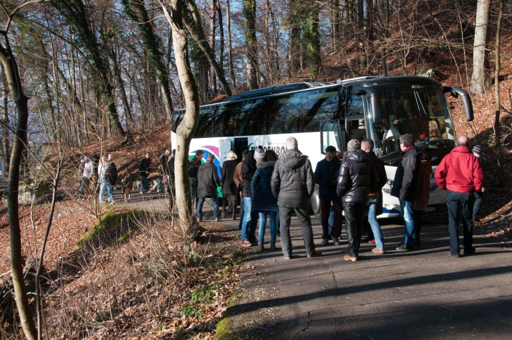 Mit dem Car geht's zum Reservoir Scharten 1 Am Mooshaldenweg.